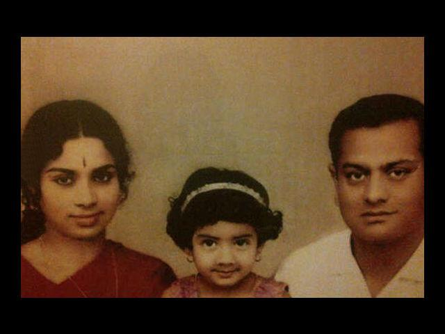 9. Check out the cheeky smile in this rare photo. This young girl grew up to be who we today know as Sridevi. Born on 13th August, 1963, this Bollywood celebrity was born to Tamil parents in Sivakasi of Virudhunagar district, Tamil Nadu.