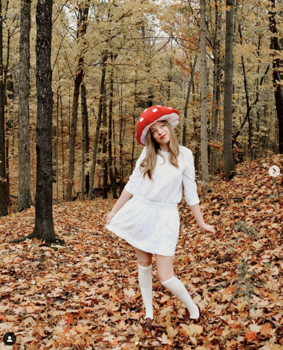 """<p>If you don't have the sewing chops to DIY this padded mushroom hat, you can glue white felt to a regular red hat for a similar effect. </p><p><a class=""""link rapid-noclick-resp"""" href=""""https://www.instagram.com/p/B4SYjoLnm60/"""" rel=""""nofollow noopener"""" target=""""_blank"""" data-ylk=""""slk:SEE MORE"""">SEE MORE</a></p><p><a class=""""link rapid-noclick-resp"""" href=""""https://www.amazon.com/Lujuny-Classic-Wool-Round-Bowler/dp/B01M6421CK?tag=syn-yahoo-20&ascsubtag=%5Bartid%7C10072.g.33547559%5Bsrc%7Cyahoo-us"""" rel=""""nofollow noopener"""" target=""""_blank"""" data-ylk=""""slk:SHOP RED HAT"""">SHOP RED HAT</a></p>"""