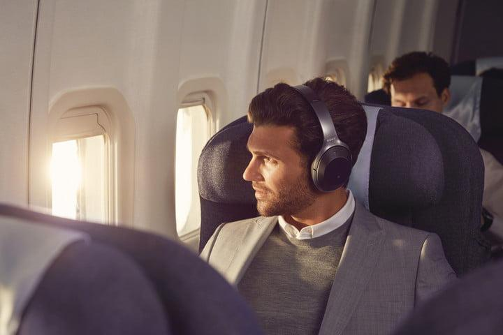Sony WH-1000xM2 best noise-canceling headphones