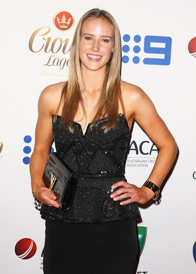 SYDNEY, AUSTRALIA - JANUARY 20:  Ellyse Perry arrives at the 2014 Allan Border Medal at Doltone House  on January 20, 2014 in Sydney, Australia.  (Photo by Don Arnold/WireImage)