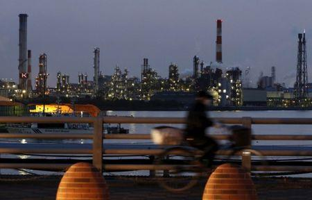 Japan's industrial production rises 4 pct in April