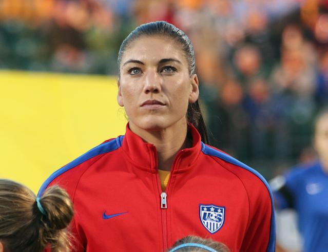 U.S. Soccer misses chance to make a point by including Hope Solo for World Cup qualifying