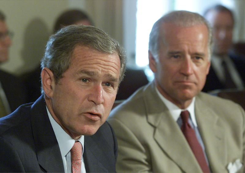 Then-Sen. Joe Biden (D-Del.), right, supported deposing Iraqi leader Saddam Hussein in 2003 while George W. Bush was president. (Photo: Mark Wilson/Getty Images)