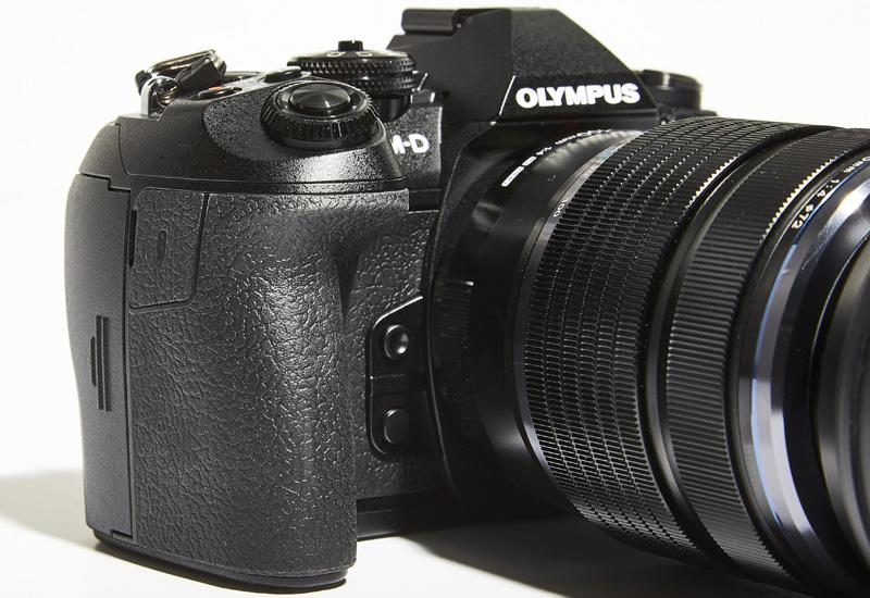 Knurled dials and a deeper handgrip make the OM-D E-M1 Mark II much easier to handle than previous OM-D models.