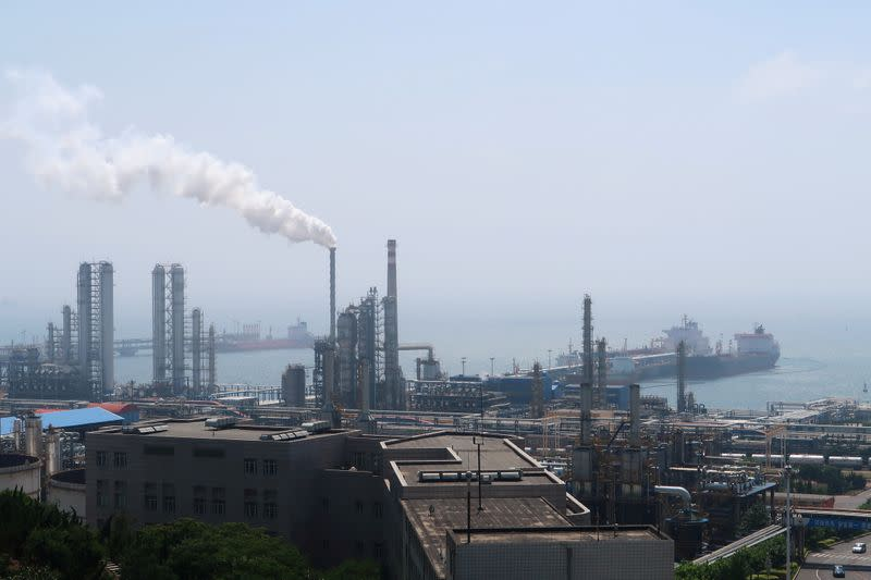 Chinese provincial official urges shut down of CNPC's Dalian refinery