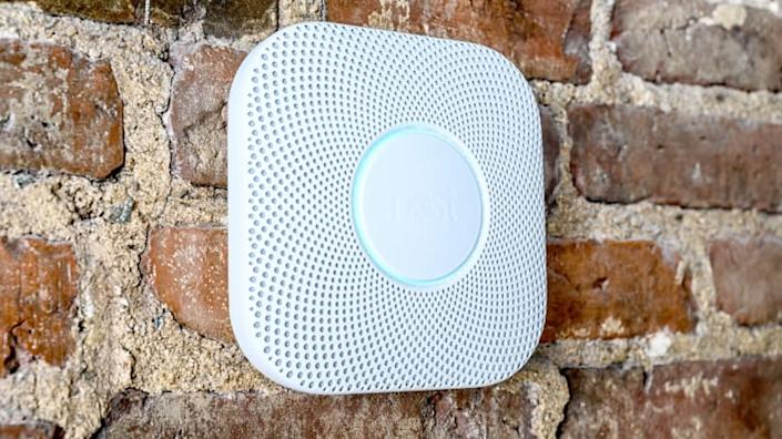 This system is both a smoke and carbon monoxide alarm.