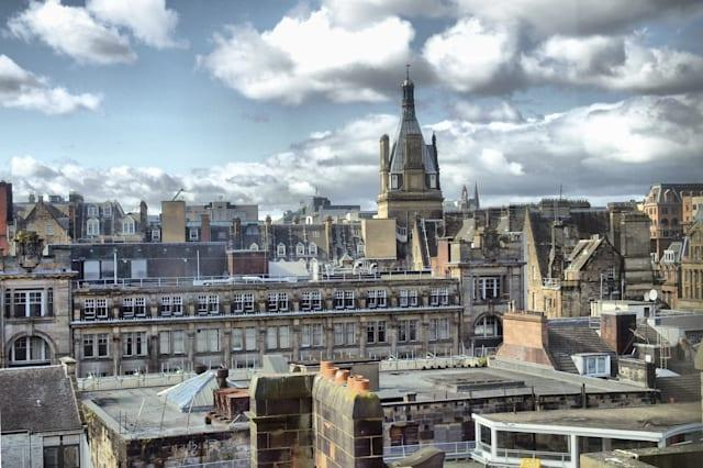 View of the city of Glasgow in Scotland - High dynamic range