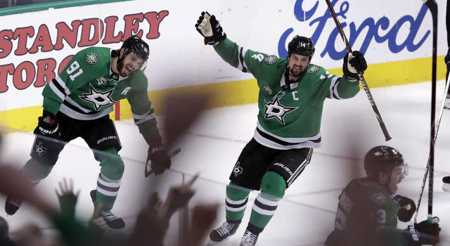 "<a class=""link rapid-noclick-resp"" href=""/nhl/players/4519/"" data-ylk=""slk:Jamie Benn"">Jamie Benn</a> was very excited about his OT goal on Saturday. (Tony Gutierrez/AP)"