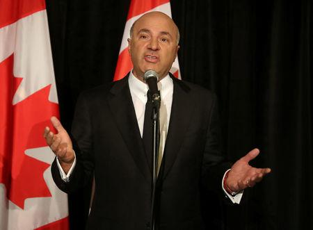 Conservative Party of Canada's leadership candidates Kevin O'Leary speaks at a news conference in Toronto, Canada April 26, 2017. O'Leary announced his withdrawal from the race and his support for Maxime Bernier.  REUTERS/Fred Thornhill