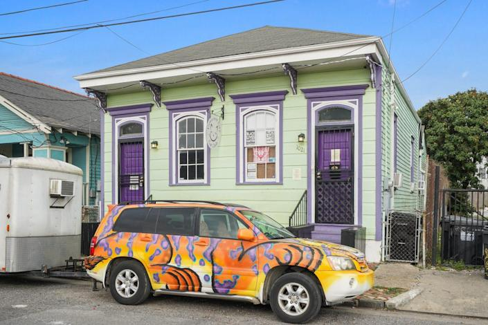 Attention, Cat Lovers: Crescent City Cat Club in New Orleans Hits the Market for $550,000
