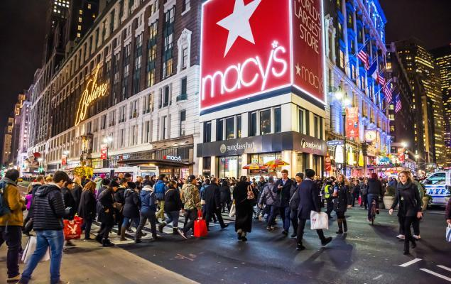 Macy's (M) in Focus: Stock Moves 8.1% Higher