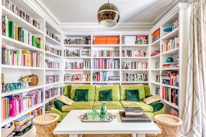 "<div class=""caption""> The cozy and colorful TV room in Paris PR maven Sophie Douzal's weekend home in Saint-Rémy-de-Provence, France. </div>"