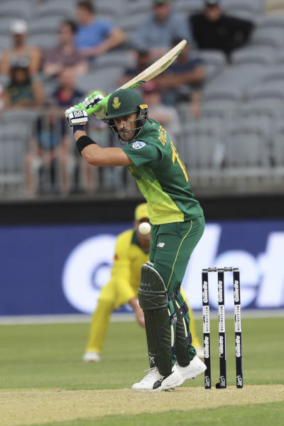South Africa's Faf du Plessis plays a shot from Australia's Josh Hazlewood during their one-day international cricket match in Perth, Sunday, Nov. 4, 2018. (AP Photo/Trevor Collens)