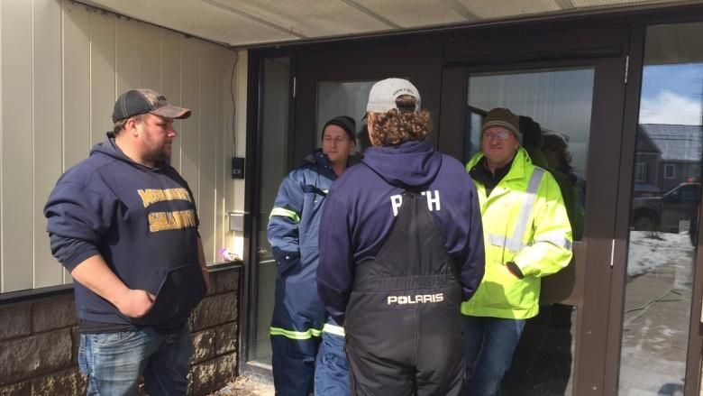 FISH-NL demonstrators disperse from FFAW offices after demands not met