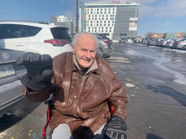 Stanley Sepchuk got a dose of the COVID-19 vaccine at the Decarie Square site in Montreal on Wednesday, cracking jokes from start to finish. (Chloë Ranaldi/CBC - image credit)
