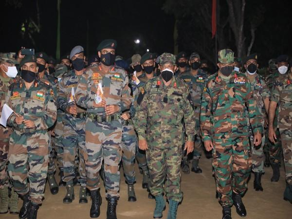 A Indian Army contingent participating in Exercise Mitra Shakti 21 ON Sunday reached Sri Lanka