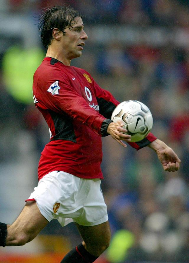 Ruud Van Nistelrooy netted 25 goals for Manchester United on their way to another league title, with Nike slightly tweaking the Geo Merlin. 1,000 goals were scored in the Vapor's first season. (Photo by Phil Noble - PA Images/PA Images via Getty Images)