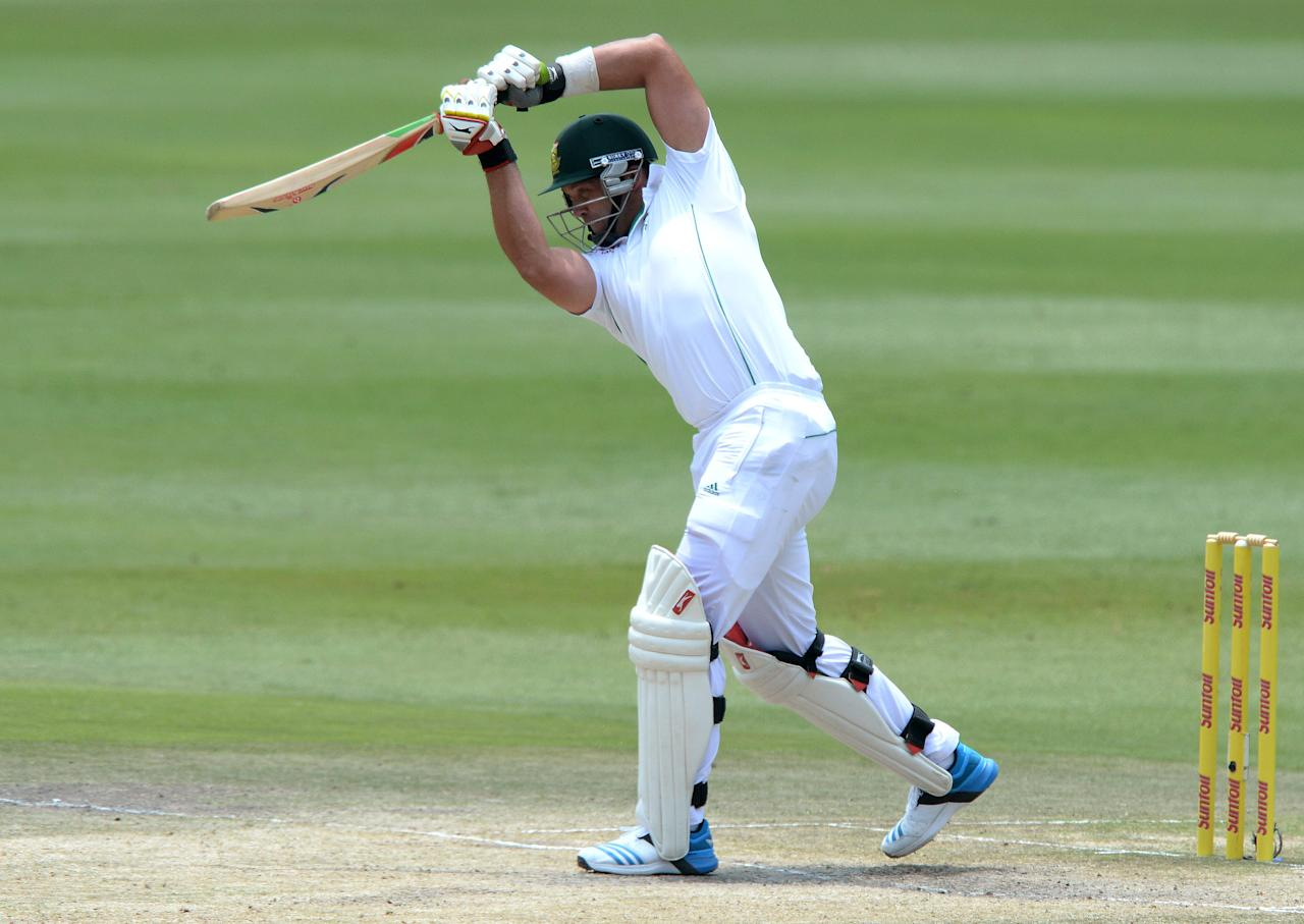 JOHANNESBURG, SOUTH AFRICA - DECEMBER 22: Jacques Kallis of South Africa drives straight for a boundary during day 5 of the 1st Test match between South Africa and India at Bidvest Wanderers Stadium on December 22, 2013 in Johannesburg, South Africa. (Photo by Duif du Toit/Gallo Images/Getty Images)