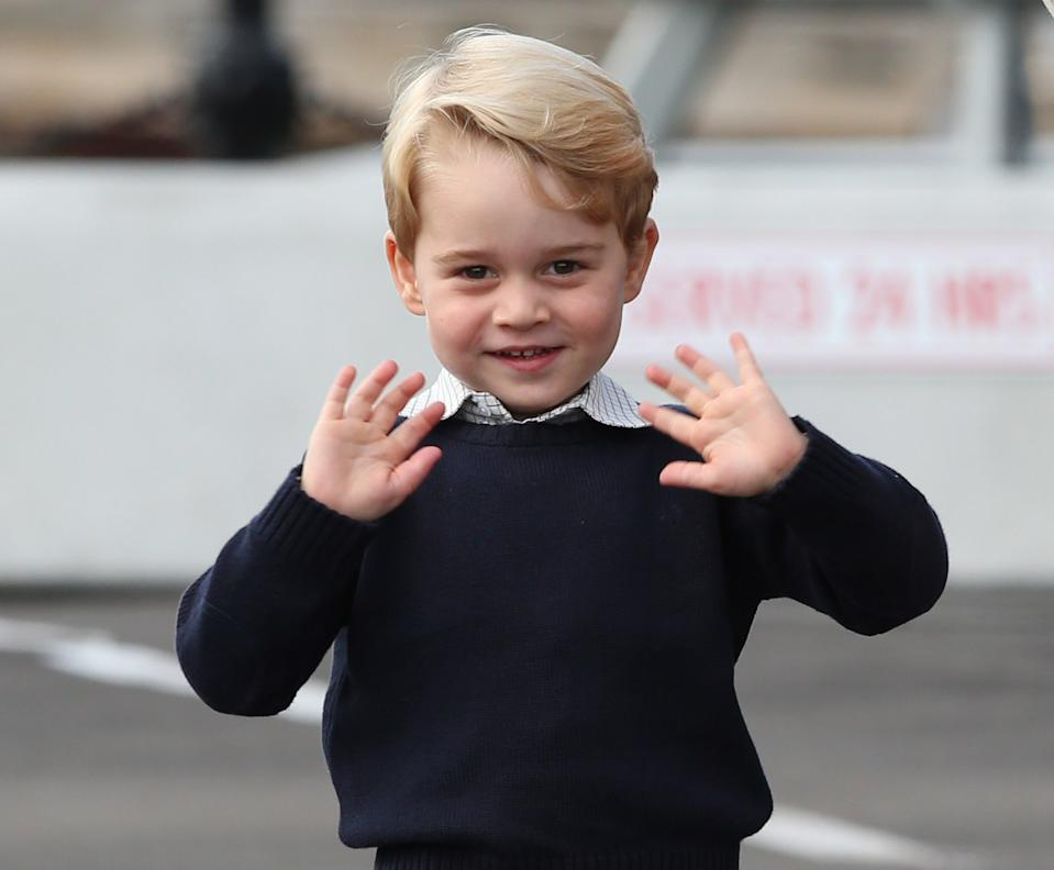 <p>Two hands were better on the final day of the Royal Tour of Canada in October 2016. (Andrew Milligan - Pool/Getty Images)</p>