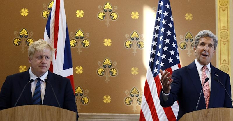 British Foreign Secretary Boris Johnson (L) and US Secretary of State John Kerry attend a joint press conference following their meeting inside the Foreign and Commonwealth Office (FCO) in central London on July 19, 2016 (AFP Photo/Kirsty Wigglesworth)