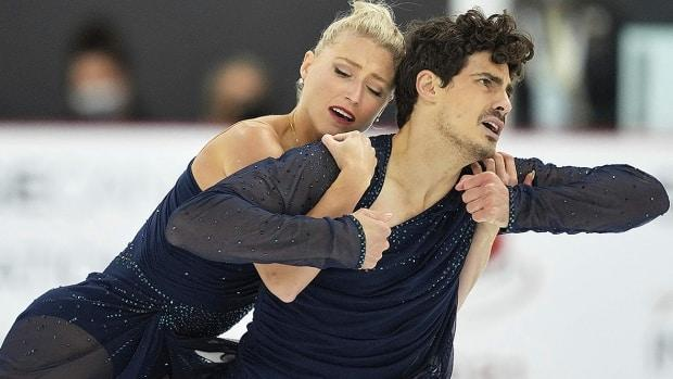 Toronto's Piper Gilles and Paul Poirier, pictured, scored a winning 208.97 points in the free dance event of the dance competition on Saturday at the Autumn Classic International in Pierrefonds, Que. (Geoff Robins/AFP via Getty Images - image credit)