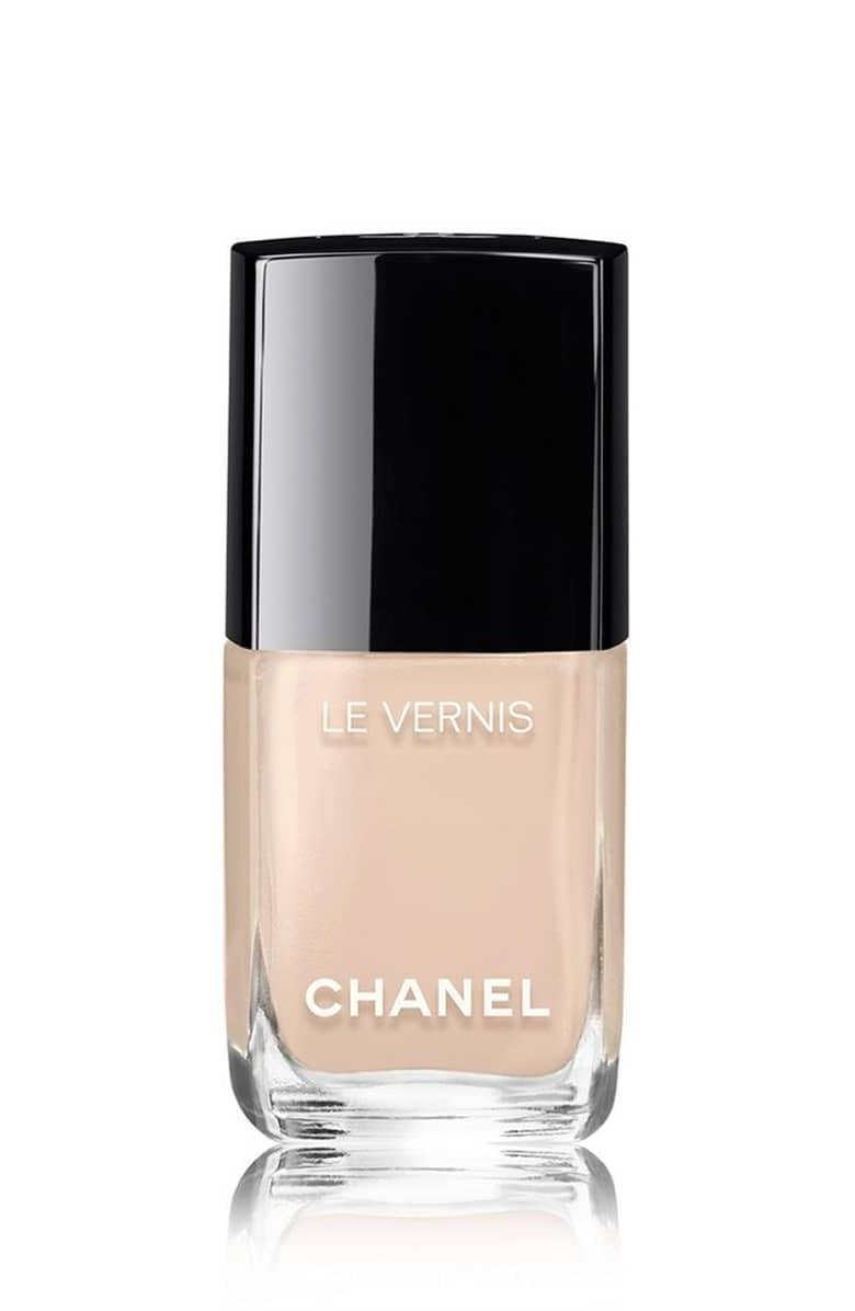"""<p><a href=""""https://www.popsugar.com/buy/Chanel%20Le%20Vernis%20Longwear%20Nail%20Colour%20in%20Blanc%20White-426567?p_name=Chanel%20Le%20Vernis%20Longwear%20Nail%20Colour%20in%20Blanc%20White&retailer=shop.nordstrom.com&price=28&evar1=bella%3Aus&evar9=46087729&evar98=https%3A%2F%2Fwww.popsugar.com%2Fbeauty%2Fphoto-gallery%2F46087729%2Fimage%2F46090724%2FNeutral-Territory&list1=nail%20polish%2Cbeauty%20trends%2Cnail%20trends&prop13=mobile&pdata=1"""" rel=""""nofollow noopener"""" target=""""_blank"""" data-ylk=""""slk:Chanel Le Vernis Longwear Nail Colour in Blanc White"""" class=""""link rapid-noclick-resp"""">Chanel Le Vernis Longwear Nail Colour in Blanc White</a> ($28) </p>"""