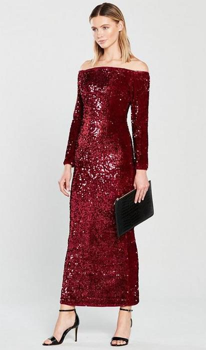 422b5bef Lorraine Kelly has a Jessica Rabbit moment in the most stunning ...