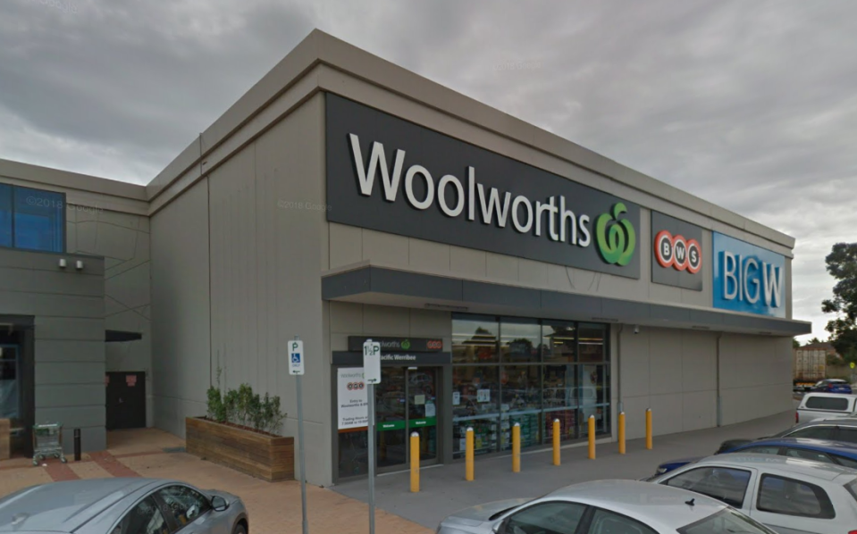 A Woolworths in Melbourne's southwest has been closed after a worker tests positive to coronavirus. Source: Google Maps, file
