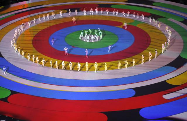 <p>Artists perform during the closing ceremony. REUTERS/Christian Hartmann </p>