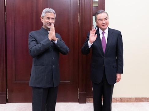 Chinese State Councillor and Foreign Minister Wang Yi (right) meets Indian External Affairs Minister Subrahmanyam Jaishankar on the sidelines of a foreign ministers' meeting of the Shanghai Cooperation Organisation in Moscow last week. Photo: Xinhua
