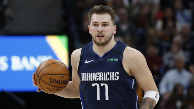 """<a class=""""link rapid-noclick-resp"""" href=""""/nba/players/6014/"""" data-ylk=""""slk:Luka Doncic"""">Luka Doncic</a> rolled the same ankle that forced him to miss time in December. (AP Photo/Rick Bowmer)"""