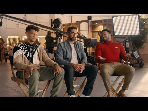 """<p>Jake from State Farm insurance tells two American footballers (Aaron Rodgers and Patrick Mahomes) they should appreciate having a stand-in on the company's latest advert despite Mahomes' stand in being non-lookalike Paul Rudd. However, Jake soon learns his stand in is.. Drake, who repeatedly tries to deliver a line in the commercial even though this is unrequired.</p><p><a href=""""https://www.youtube.com/watch?v=lvpq2OjmJvg"""" rel=""""nofollow noopener"""" target=""""_blank"""" data-ylk=""""slk:See the original post on Youtube"""" class=""""link rapid-noclick-resp"""">See the original post on Youtube</a></p>"""