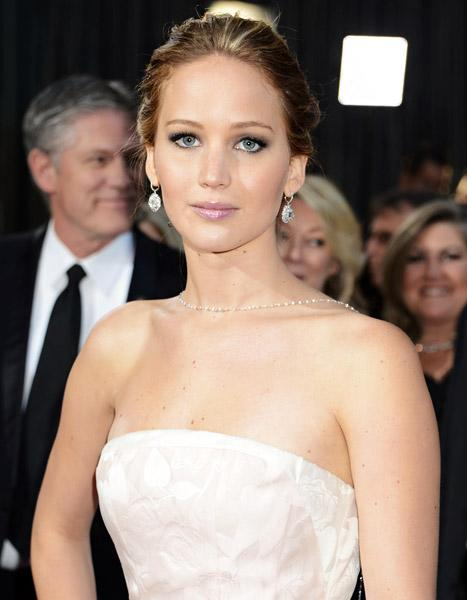 """Jennifer Lawrence on Her Flawless Dior Ads: """"Of Course It's Photoshop"""""""
