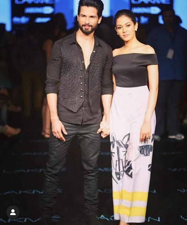 One of her earliest public appearances happened at the red carpet of  Lakme Fashion Week 2015, shortly after her wedding. She was at the Masaba Gupta show with her hubby and the newlyweds looked so-in-love together. Mira took to the ramp in a black off-shoulder top and a pair of printed broad white pants. A total contrast, an absolute monochrome, but with a bright pop of yellow. The freshly out-of-college girl declared she had arrived as a star-wife, a lady in pop-culture.