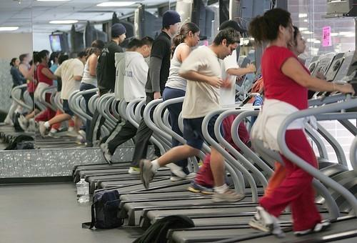"""Gym memberships are among the contracts and subscriptions that consumers frequently find the most difficult to cancel. <span class=""""copyright"""">(Ringo H.W. Chiu / For The Times)</span>"""