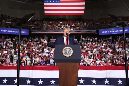 Trump defends handling of economy, China at New Hampshire campaign rally