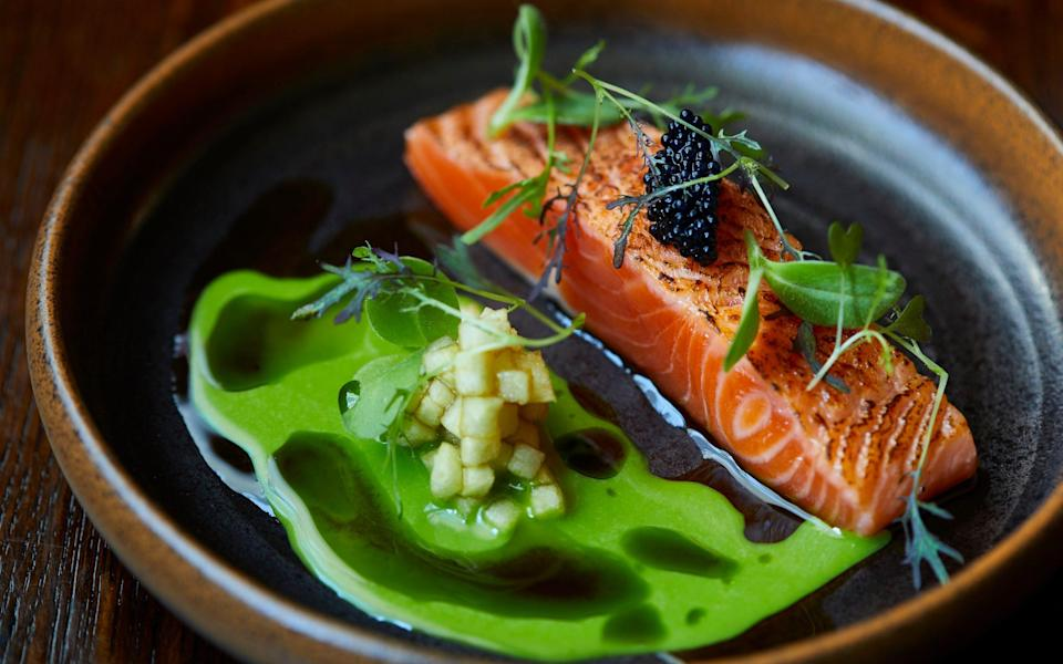 Duncombe Arms' Old Barn chef service - Duncombe Arms