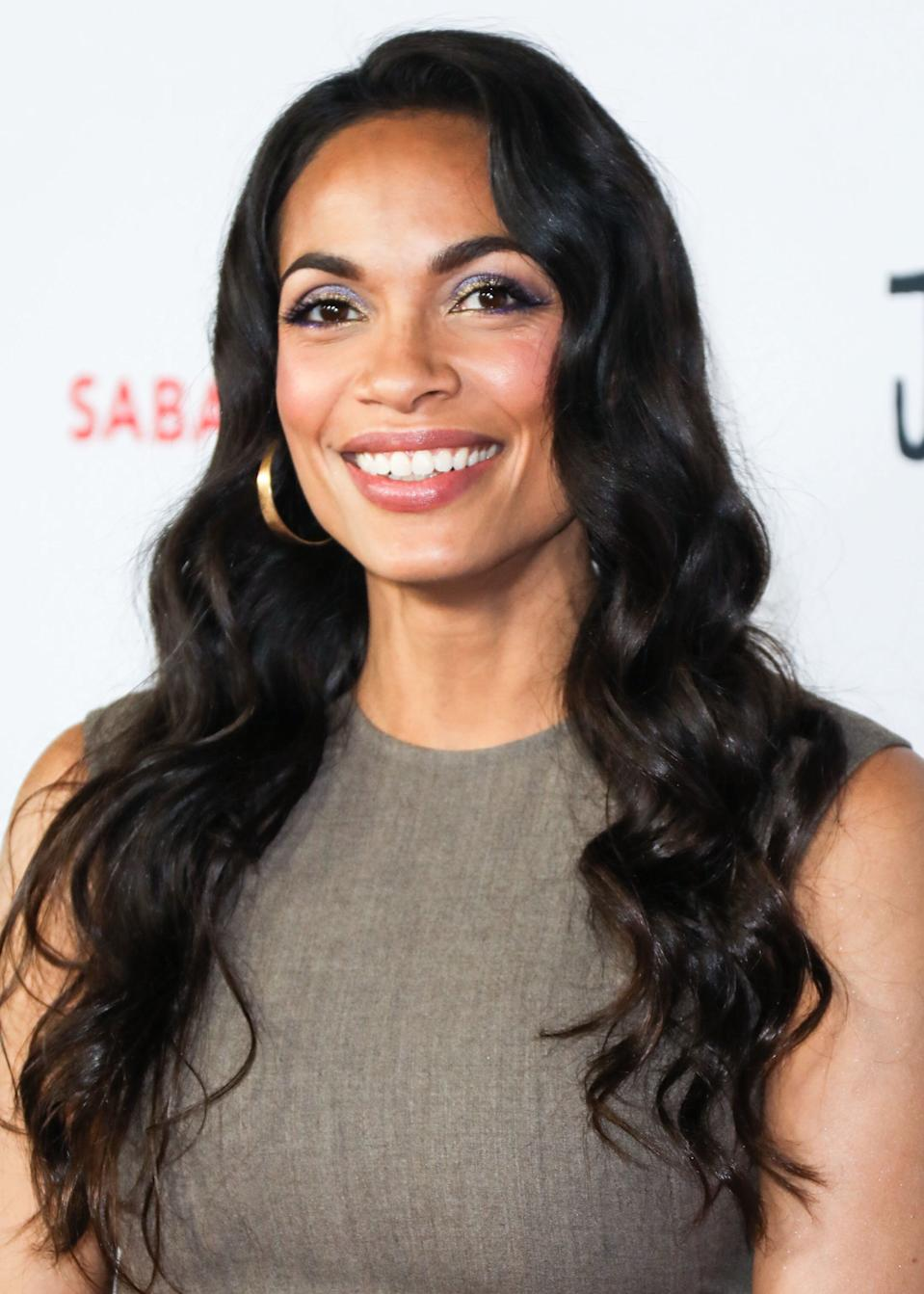 HOLLYWOOD, LOS ANGELES, CALIFORNIA, USA - OCTOBER 14: Actress Rosario Dawson arrives at the Los Angeles Premiere Of Saban Films' 'Jay and Silent Bob Reboot' held at the TCL Chinese Theatre IMAX on October 14, 2019 in Hollywood, Los Angeles, California, United States. (Photo by David Acosta/Image Press Agency/Sipa USA)