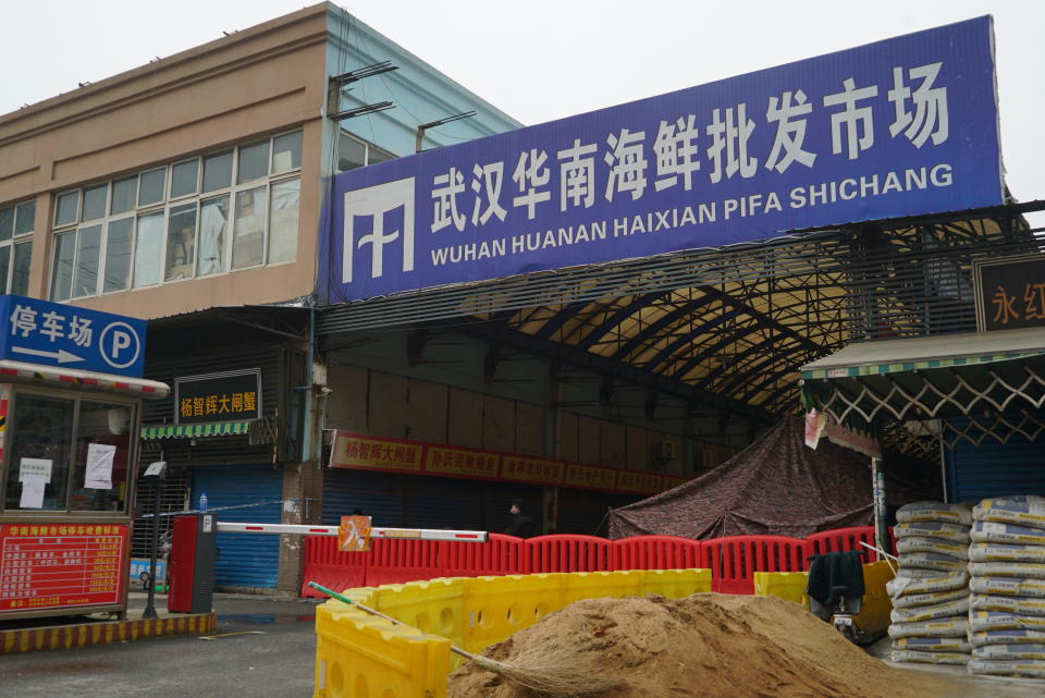 The Wuhan Huanan Wholesale Seafood Market, where a number of people related to the market fell ill with a virus, sits closed in Wuhan, China, Tuesday, Jan. 21, 2020. (Photo: AP/Dake Kang)