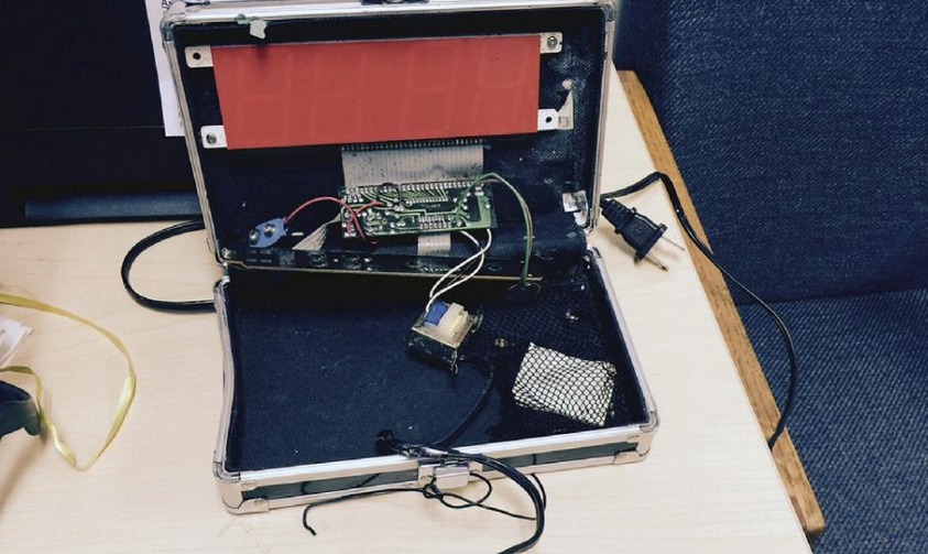 This photo received September 16, 2015 courtesy of the Irving Police Department in Irving, Texas shows a clock made by teenager Ahmed Mohamed (AFP Photo/)