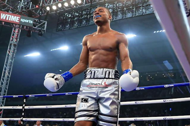 Errol Spence Jr. celebrates after knocking out Carlos Ocampo in the first round on June 16, 2018 in Frisco, Texas. (Getty Images)