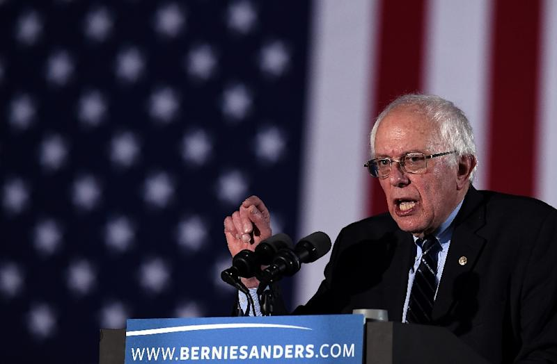 US Democratic presidential candidate Bernie Sanders speaks during the primary night rally in Concord, New Hampshire, on February 9, 2016 (AFP Photo/Jewel Samad                         )