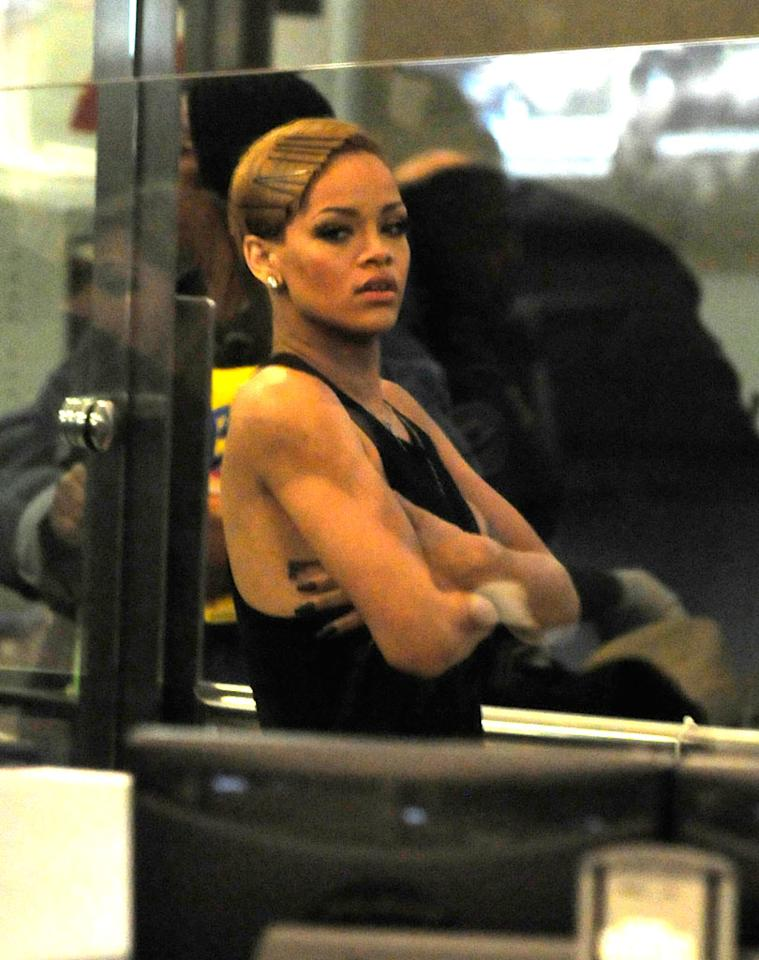 "Rihanna -- or Robyn Fenty, as it says on her passport -- passes through a security checkpoint at LAX. Think about how many frequent-flier miles an international pop star like her must have! Hot Shots Worldwide/<a href=""http://www.splashnewsonline.com"" target=""new"">Splash News</a> - December 2, 2009"
