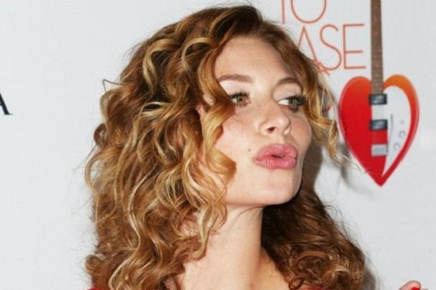 'Two and a Half Men' Casts Aly Michalka in Recurring Role
