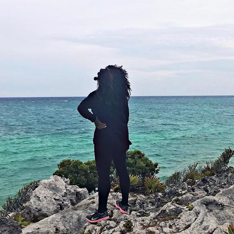 Serena Williams Kicks Back on the Beach With Her Fiancé After Pregnancy Announcement