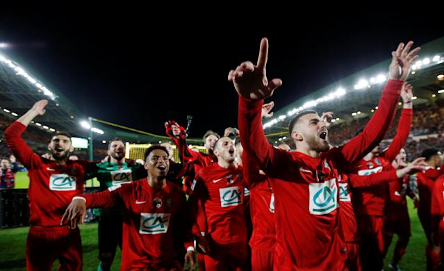 Soccer Football - Coupe de France - Les Herbiers VF vs FC Chambly - Stade de la Beaujoire, Nantes, France - April 17, 2018 Les Herbiers players celebrates after winning the match to reach the final REUTERS/Stephane Mahe