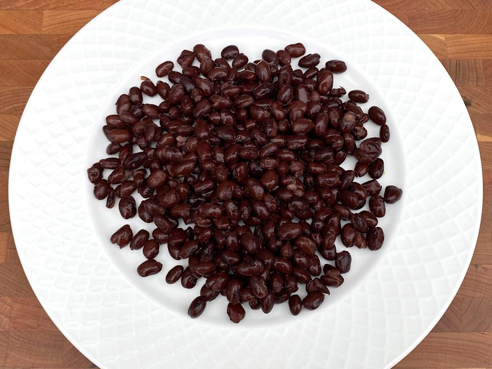 <p>1 1/4 cups of canned black beans</p>