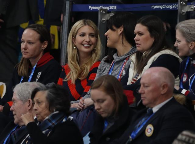 <p>U.S. President Donald Trump's daughter and senior White House adviser, Ivanka Trump, attends the men's final alongside White House Press Secretary Sarah Huckabee Sanders (back row, 2nd R). REUTERS/John Sibley </p>