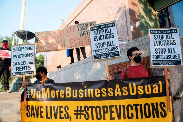 Renters and housing advocates protest to cancel rent and stop evictions amid the coronavirus pandemic on Aug. 21, 2020, in Los Angeles. (Photo: VALERIE MACON via Getty Images)