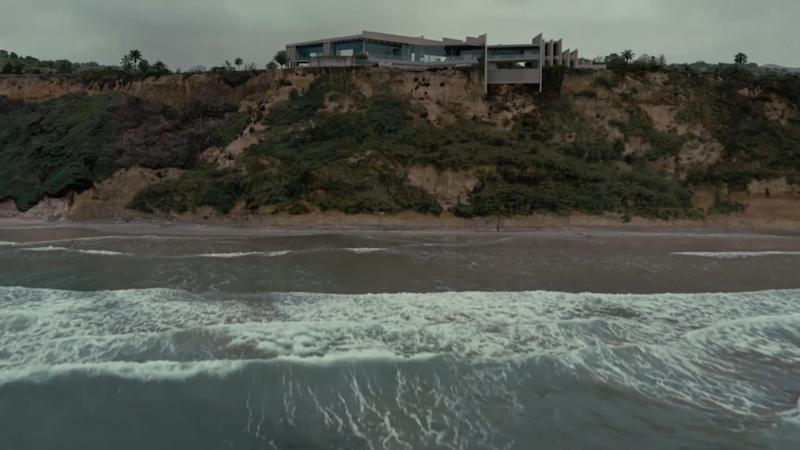 This Wallace E. Cunningham–designed residence in Encinitas, California, was the perfect fit for the aesthetic of season three.